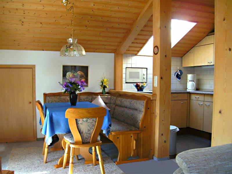 Ferienwohnung Haus Annemarie - Küche mit Ess
